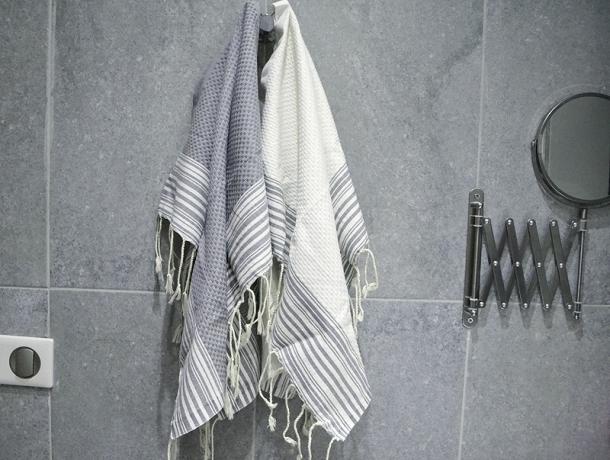 2 petites serviettes fouta ray es blanc gris b ton. Black Bedroom Furniture Sets. Home Design Ideas