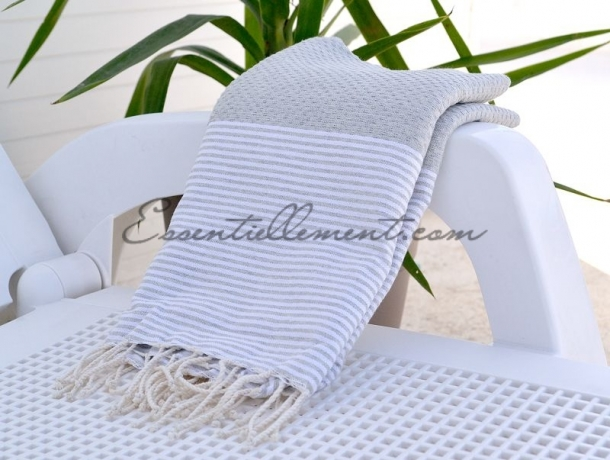 fouta nid d 39 abeille gris clair ray e blanc. Black Bedroom Furniture Sets. Home Design Ideas