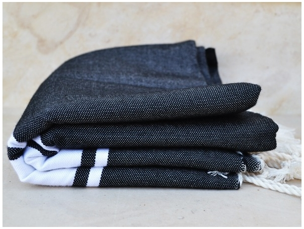 serviette fouta plate noire fouta classique pas cher. Black Bedroom Furniture Sets. Home Design Ideas