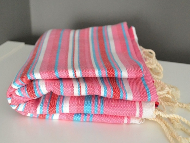 Fouta plate Mille Rayures multicolores Rose-Rouge