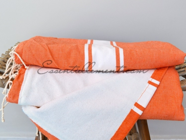 Fouta Orange Carotte Doublée Eponge blanche - plate