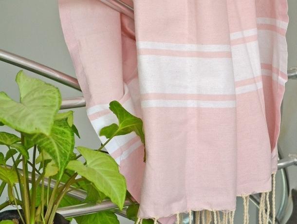 serviette fouta plate rose chamallow classique pas cher. Black Bedroom Furniture Sets. Home Design Ideas