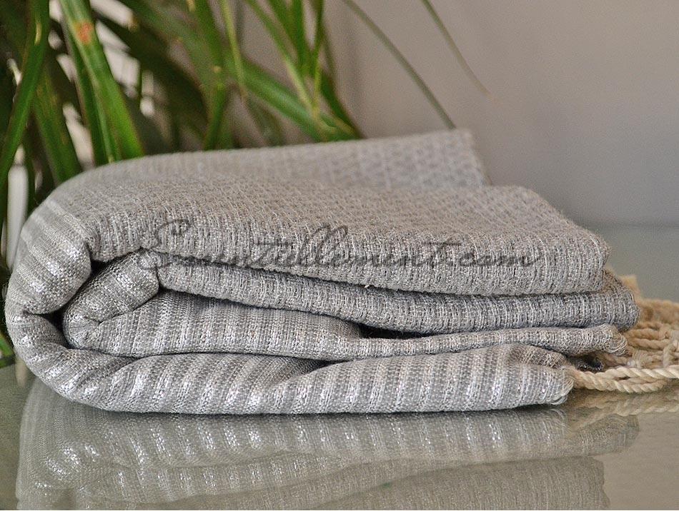 serviette fouta gris dauphin ray e lurex argent nid d 39 abeille. Black Bedroom Furniture Sets. Home Design Ideas