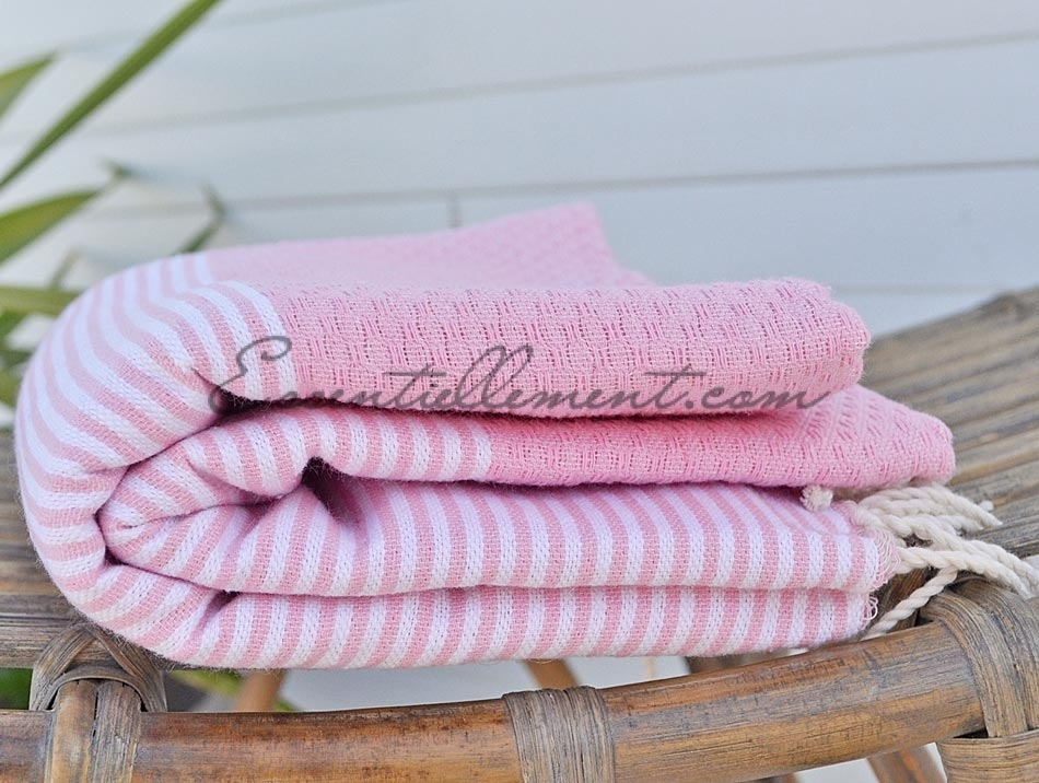 fouta nid d 39 abeille rose bonbon ray e blanc. Black Bedroom Furniture Sets. Home Design Ideas