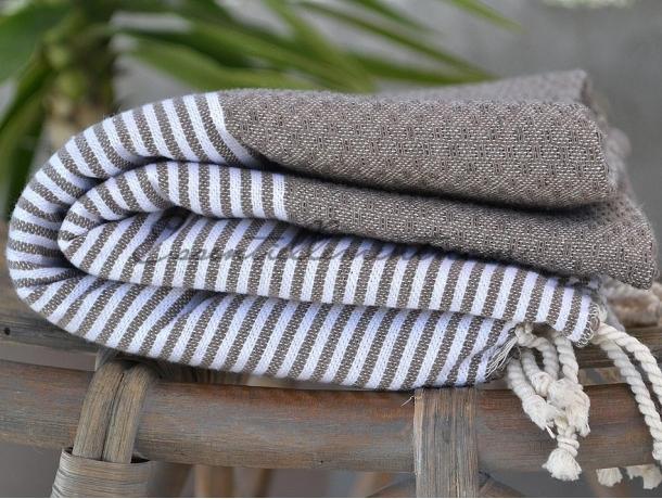 serviette fouta gris taupe ray e blanc nid d 39 abeille pas cher. Black Bedroom Furniture Sets. Home Design Ideas
