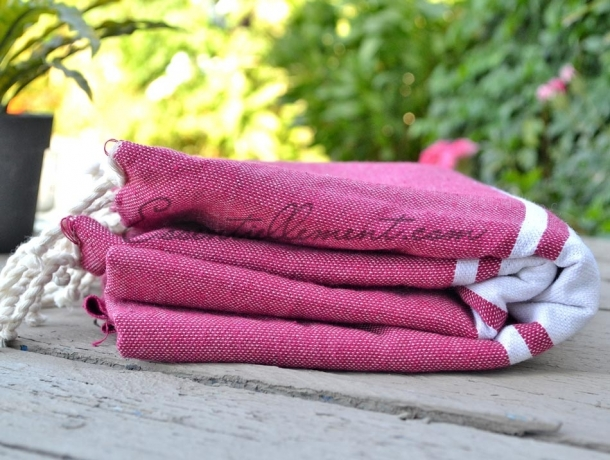 serviette fouta plate rose cerise classique pas cher. Black Bedroom Furniture Sets. Home Design Ideas