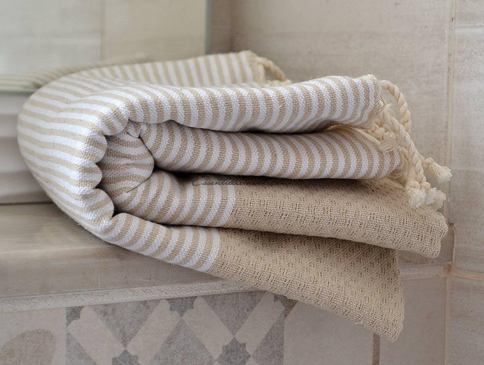 serviette fouta beige ray e blanc nid d 39 abeille. Black Bedroom Furniture Sets. Home Design Ideas