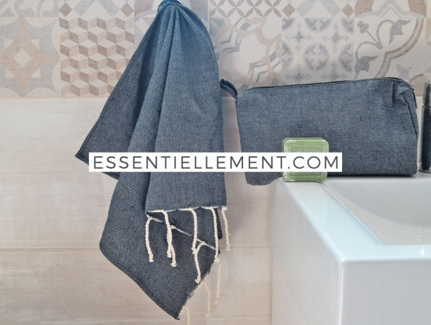 Lot Bleu Jean Petite serviette Fouta / Trousse Toilette / Savon Huile Olive